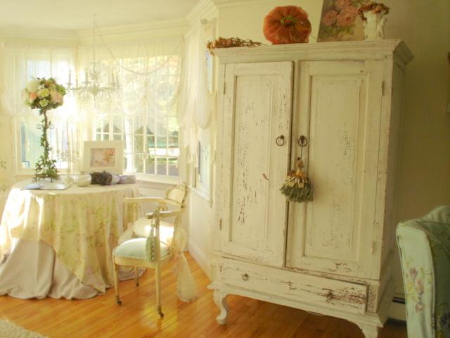 Pretty living room 2008 002