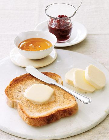 Toast-butter-ABFOOD0906-de