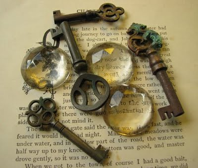 ANTIQUE KEYS GLASS-450