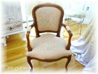Chair_with_siggy_2